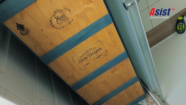 Výroba skříňky do koupelny (Zdroj: Prima DOMA)