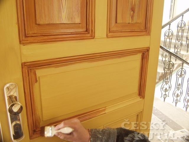 Technika fládrování: napodobení dřeva
