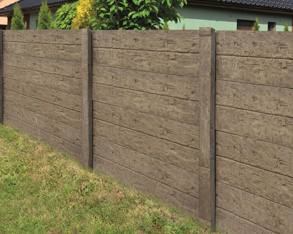 Novinka - deskový plot imitující dřevo