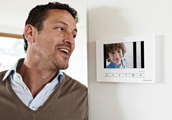Venkovní audio a video tabla jsou navrženy pro komfort a bezpečí
