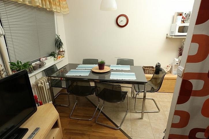 Kuchyň s obývákem v paneláku pro statečnou ženu - Jak se staví sen