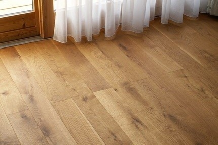 Každý kus podlahy je originál s nezaměnitelným vzhledem, do vašeho interiéru vnese kus přírody.
