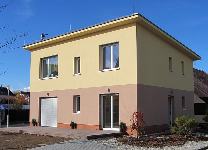 Cihlový dům nabízí komfortní bydlení v létě i v zimě
