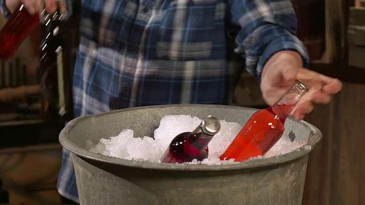 Vložení nápojů do ledu