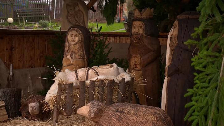 Velký dřevěný betlém