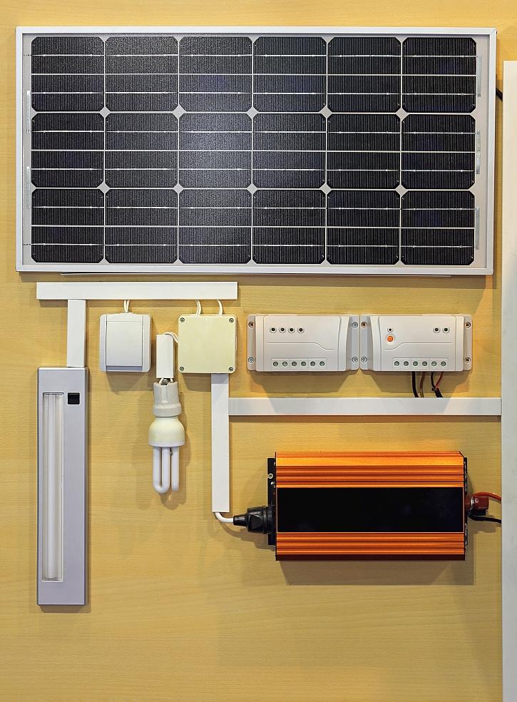 Model solárního systému s úložištěm