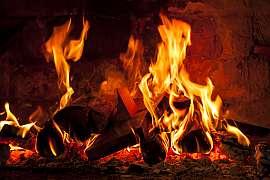 Útulné podzimní večery u praskajícího ohně: S elektrickým krbem i v bytě!