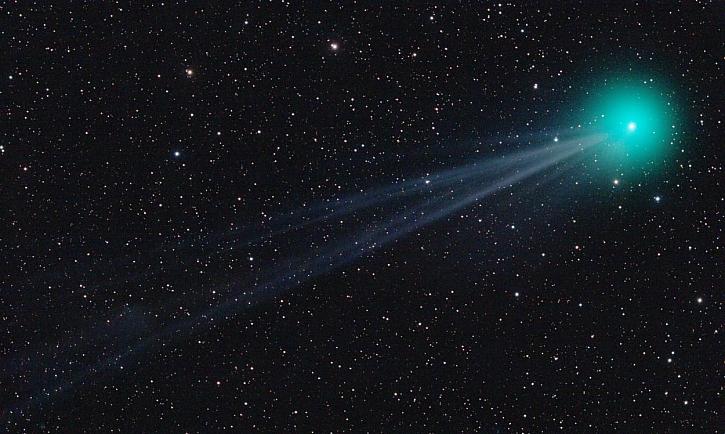 DSLR dalekohled kometa_Martin Gembec