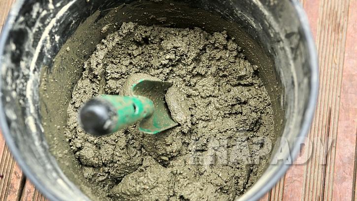 Okrasné nášlapy: vymícháme betonovou směs