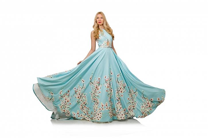 Plesové šaty mají svou dlouhou a velmi zajímavou historii (Zdroj: Depositphotos)