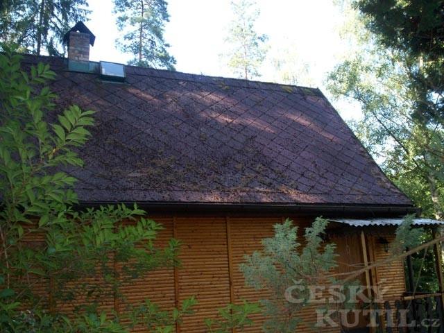 Střecha před nátěrem