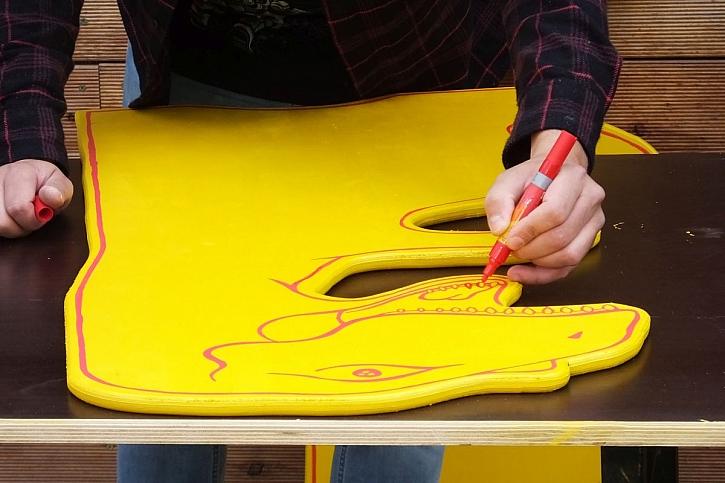 jak namalovat dinosaura