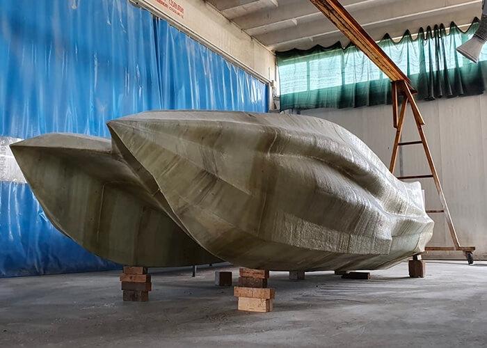 Entire-boat-column-width-700x500-1