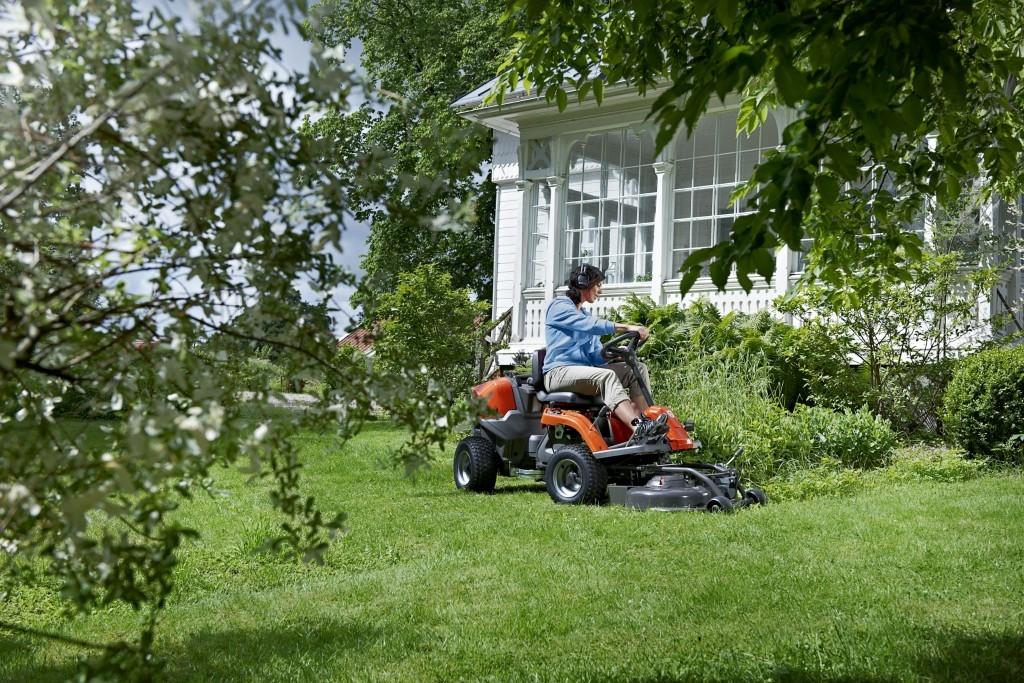 Rider a traktor využijete díky rozsáhlému příslušenství celoročně