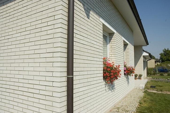 Lícové zdivo pro odolnou fasádu i atraktivní ploty