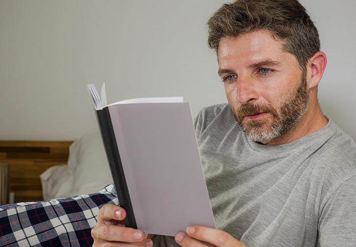 Soutěž o knihu Pod dohledem