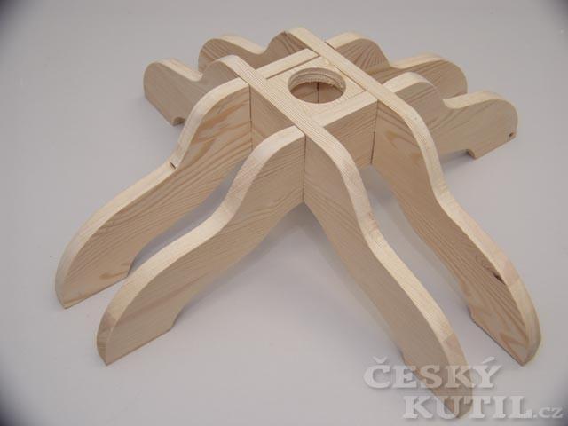 Dřevěný stojánek na stromeček