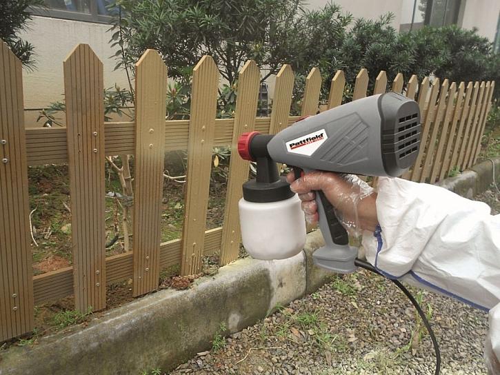 Obnovení zašedlého povrchu dřeva