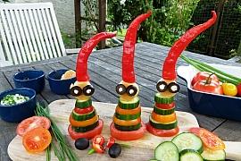 Panáčci ze zeleniny aneb Vesele ahravě na zdravou pochoutku sčesnekovou pomazánkou