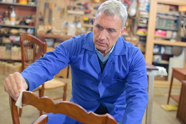 Nátěr židle