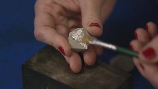 Jak se dá z betonu vyrobit krásný šperk