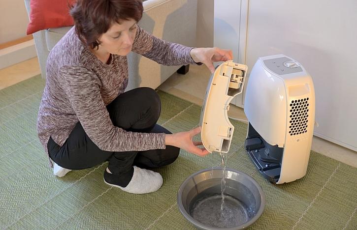 Elektrické vysoušeče mají vyjímatelnou nádržku na zachycení vody