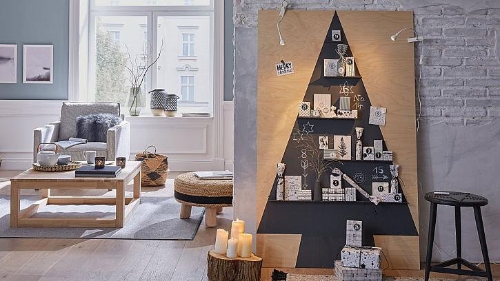 Adventní dřevěný stromeček (Zdroj: tesa-tape.cz)