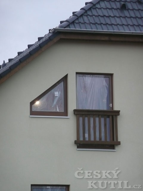 Antikutil – šikmá okna, kam se kouknete