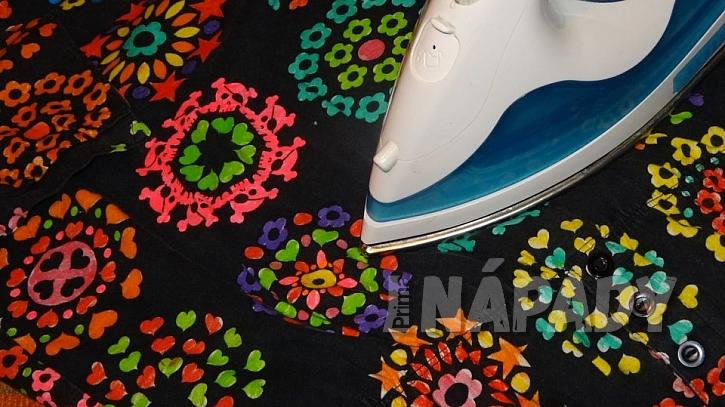 Dívčí šaty jako omalovánky: barvy zažehlete