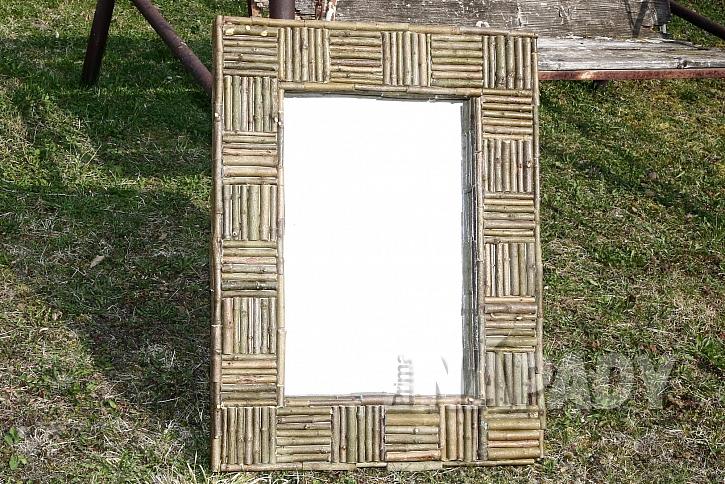 zrcadlo s dekorací z větviček