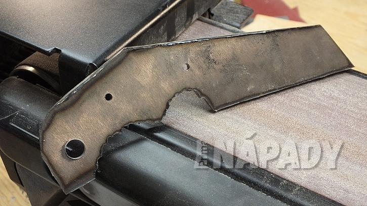 Výroba nože: vybrousíme a začistíme všechny hrany nože