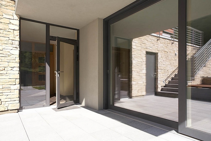 Dřevohliníková okna a posuvný HS Portal
