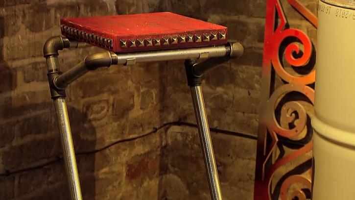 Sedátko barové židle