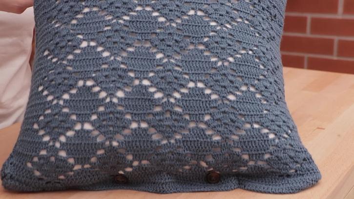 Výroba povlaku na polštář ze svetru