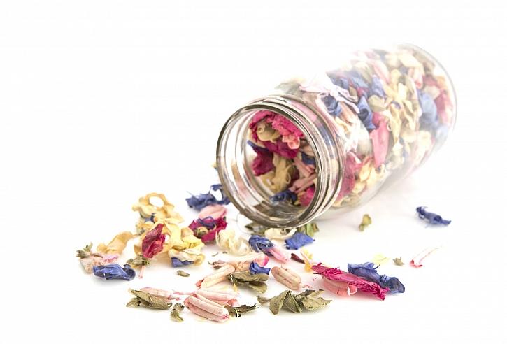 Sušení květin do dekorací není vcelku žádná věda a výsledek stojí za to (Zdroj: Depositphotos)