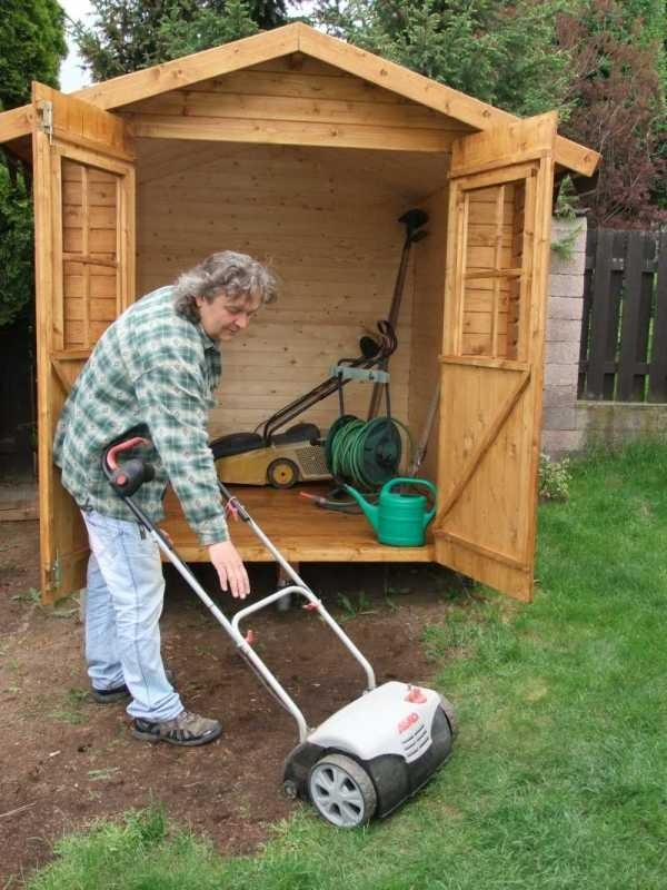 Dřevěný zahradní domek - 2. díl