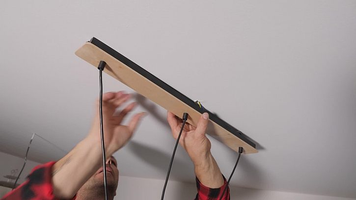 Přimontování lustru ke stropu