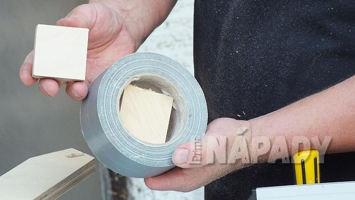 Stojánek na pásky a provázky: vyrobíme vkládací střed