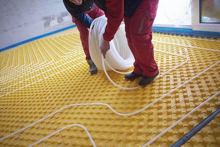 Podlahové topení se instaluje na připravenou podložku