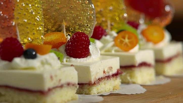 Recept na tvarohové kostky a vychytávka na zdobení dortů