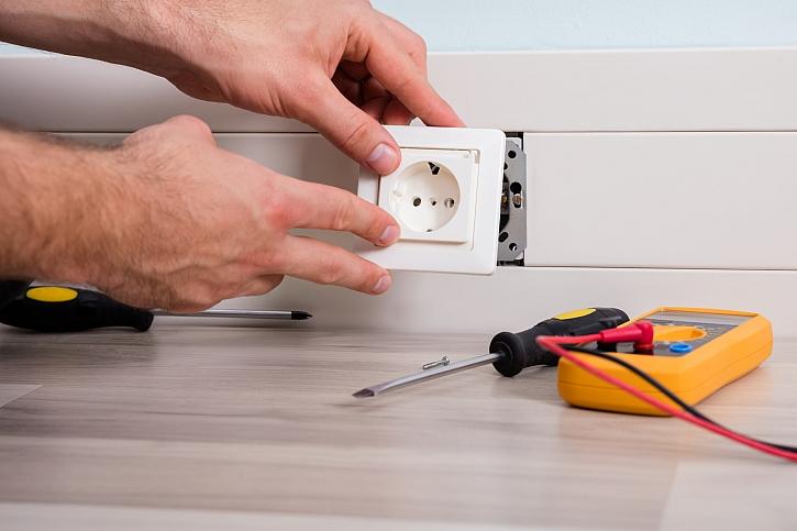 Vyměnit elektrickou zásuvku zvládnete v pohodě sami (Zdroj: Depositphotos)