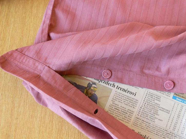 Staré ložní prádlo jako nové - barvení povlečení a jeho zdobení savem