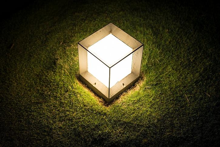 Venkovní osvětlení může mít různou podobu