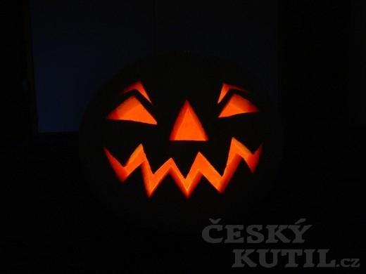 Jak vyřezat halloweenskou dýni