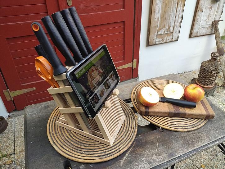 Vyrobte si originální vzdušný stojánek na nože (Zdroj: HobbyPRstudio)