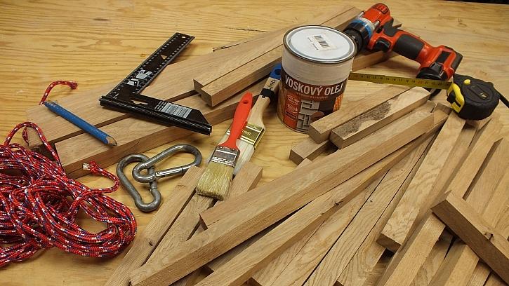Co na výrobu dřevěné houpací sítě potřebujeme