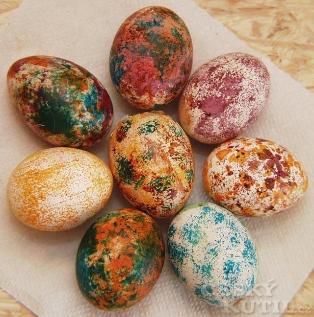 Zdobení velikonočních vajíček – mramorování OVO