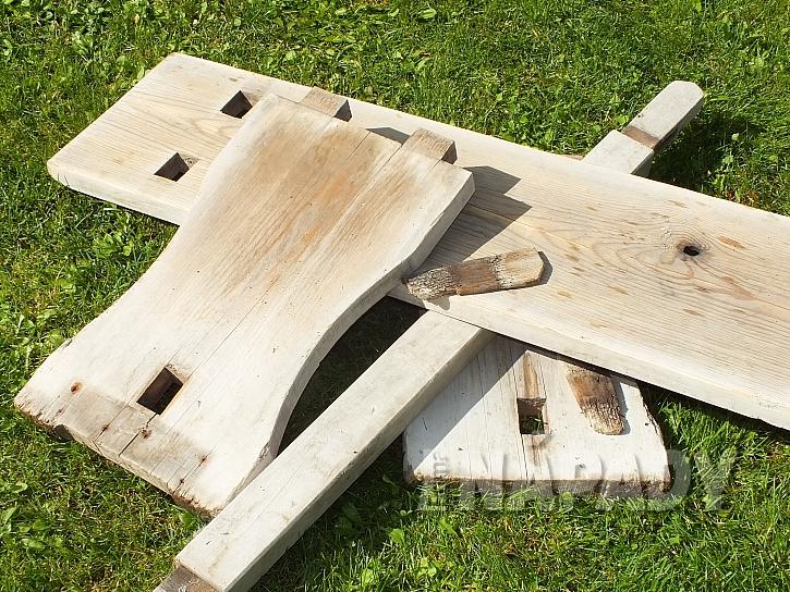 Zahradní lavice z borového dřeva s novou lazurou  4