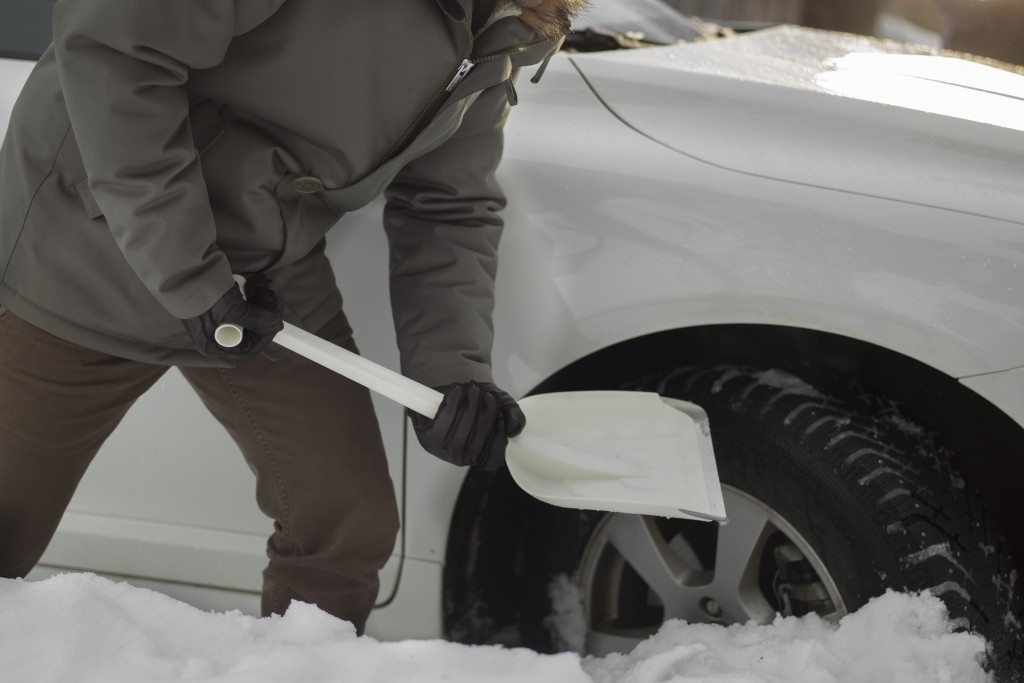 Praktické nástroje do auta Fiskars SnowXpert