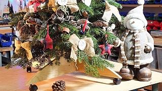 Udělejte si skládací stojánek na vánoční stromeček